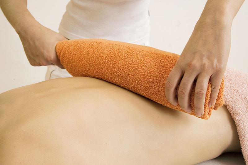Heiße Rolle Behandlung in der Physiotherapie