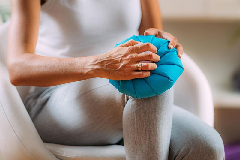 Kältetherapie Behandlung in der Physiotherapie